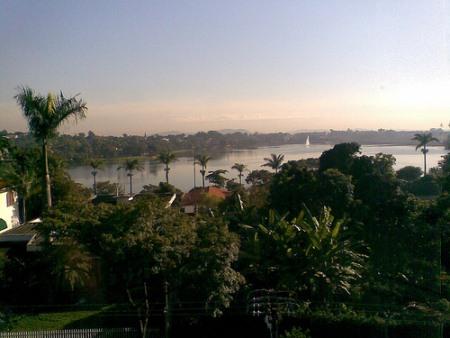 A Lagoa da Pampulha embeleza a cidade do Belo Horizonte