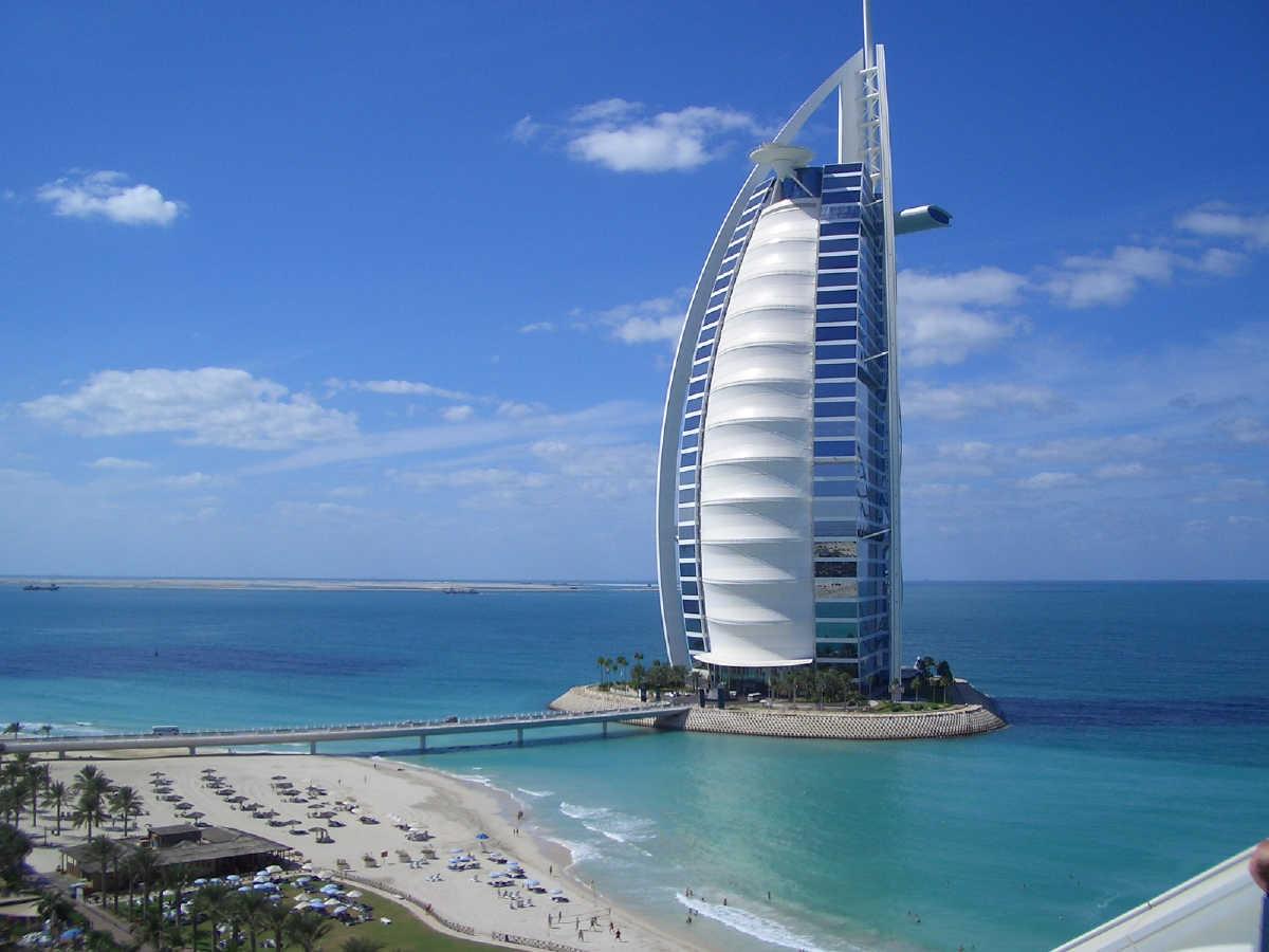 Burj al Arab Hotel, hotel em forma de vela