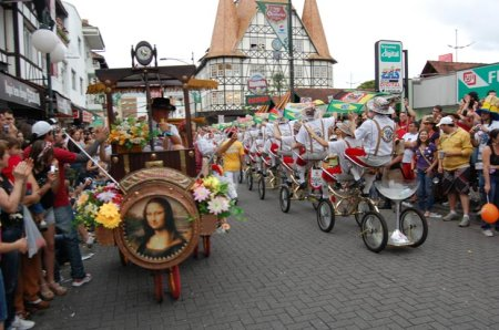 Oktoberfest de Blumenau é a segunda maior festa alemã no mundo